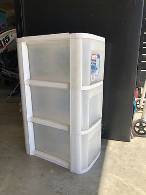 3 drawer plastic storage for Sale in Canyon Lake, CA