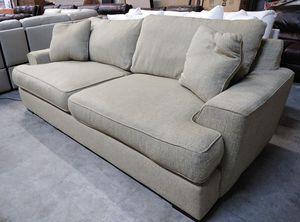 """Ainsley 101"""" oversized sofa for Sale in Decatur, GA"""