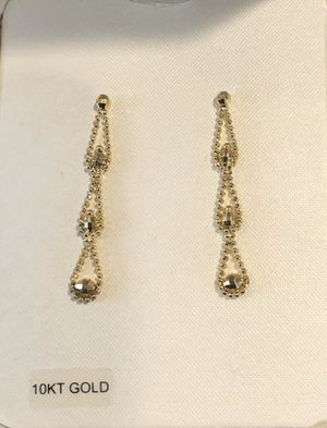 10kt sparkly gold dangle earrings NIB for Sale in Coraopolis, PA
