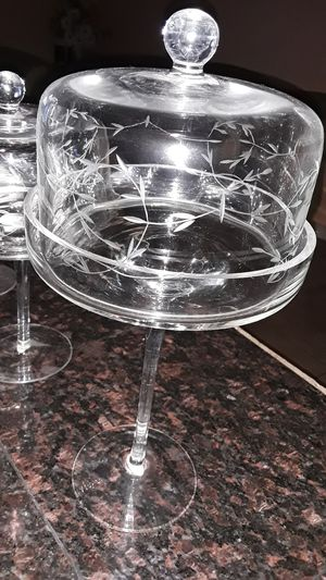 Set of 3 mini cake stands ( princes house) for Sale in Las Vegas, NV
