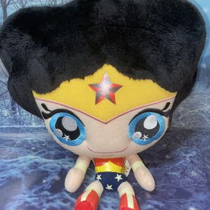 "DC comics Wonder Woman 13"" plush for Sale in Bellflower, CA"
