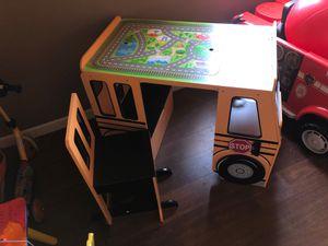 Kids desk for Sale in Perris, CA