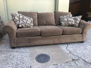 Spacious Couch Seats 3+ (Like New!) for Sale in Portland, OR