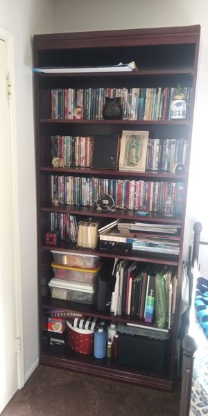 Beautiful bookshelves 6 dividers for Sale in Los Angeles, CA