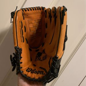 Leather Wilson Kids Baseball Glove Mitt- $10-very Good for Sale in Santa Ana, CA