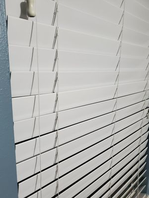 9 free window blinds for Sale in Cypress, TX