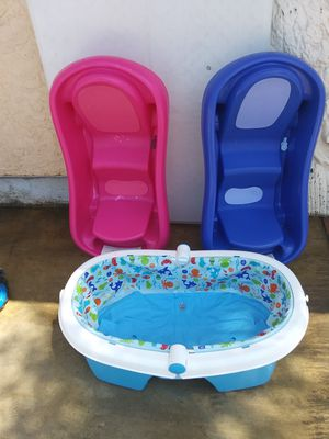 Fisher-Price bathtubs $10 each 🍼👶 for Sale in Moreno Valley, CA