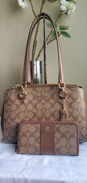 Authentic coach set! Purse&wallet for Sale in Temecula, CA