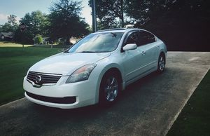 stiil 2003 nissan altima for sell for Sale in Windsor, ON