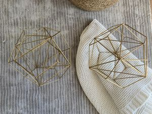 2x gold large metal decor for Sale in Miami, FL
