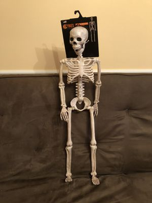 Halloween💀Posable Skeleton for Sale in Palm Springs, FL