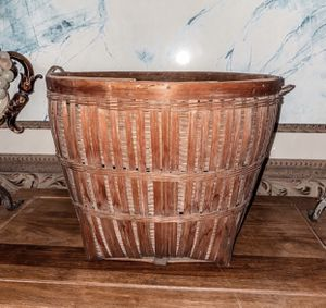 Weaver basket 12 x 9inches for Sale in Los Angeles, CA