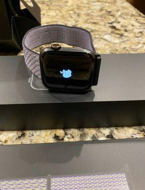 Apple Watch Series 5 44mm for Sale in Newark, NJ