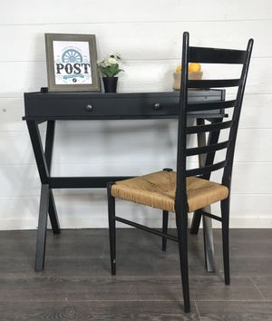 Small desk & chair for Sale in Canby, OR
