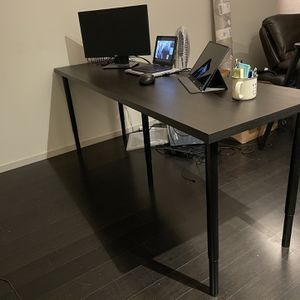 Spacious Office Desk for Sale in Seattle, WA