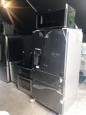 Set Whirlpool stainless steel for Sale in Tampa, FL