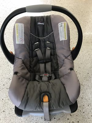 Chicco Keyfit30 car seat with 2 bases for Sale in St. Petersburg, FL