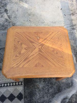 Coffee table for Sale in Frostproof, FL