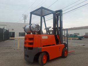 "FORKLIFT ""CLARK"" 4500-LB CAPACITY $2,590!!!! AUTOMATIC %100 ISSUE FREE!!!! $2,590 for Sale in Santa Fe Springs, CA"