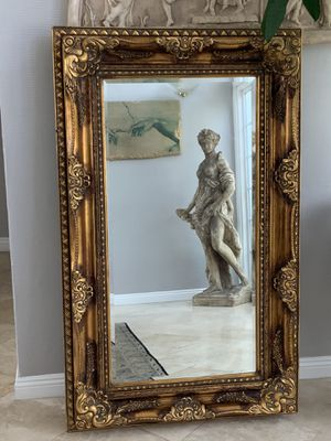 "61""x38"" stunning gold leaf antique, absolutely gorgeous . Well made. This mirror gives your home a classy new look. for Sale in Laguna Niguel, CA"