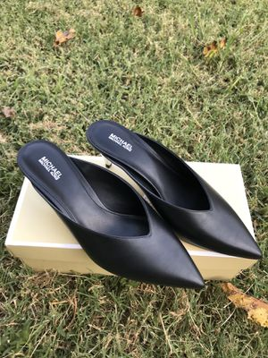 Michael kors shoes size 8.5 for Sale in Arlington, TX