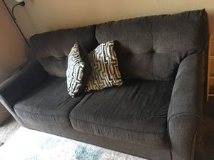 Gray couch for Sale in Vista, CA