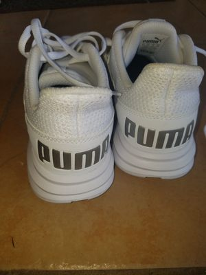 PUMA LADY'S SNEAKERS for Sale in Kissimmee, FL