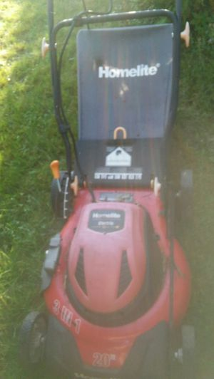 """Homelite 22"""" 3 in 1 electric lawn mower works perfect for Sale in Lowell, MA"""