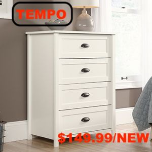 4-Drawer Chest, White for Sale in Downey, CA