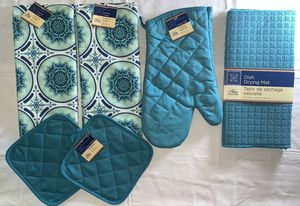 Turquoise Beautiful design kitchen hand towel set, Two Towels, Two pot holders, mitt and Dishes Drying mat, (6 pieces set) for Sale in Fitchburg, MA
