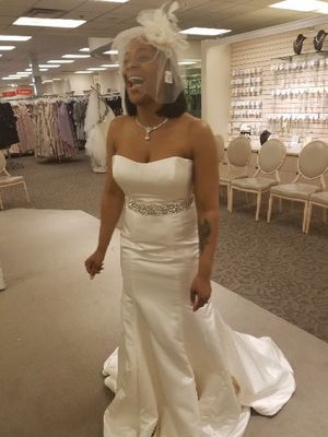 Brand new ivory wedding dress for Sale in Joppa, MD