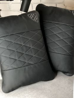 "MERCEDES MAYBACH ""REAR PILLOWS"" ORGINALLY $1000 A PIECE for Sale in Pacoima,  CA"
