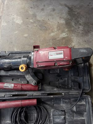 CENTRAL MACHINERY Breaker hammer 11 amp for Sale in Houston, TX
