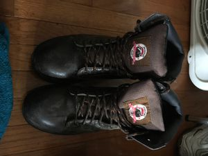 9-1/5 steel toed boots. Only worn twice has been cleaned inside and out for Sale in VA, US
