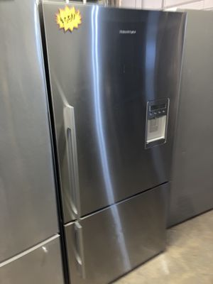 Fisher & Paykel 33in. Counter depth bottom freezer refrigerator in excellent condition with 4 months warranty for Sale in Halethorpe, MD