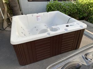 110v Hot Tub for Sale in Placentia, CA