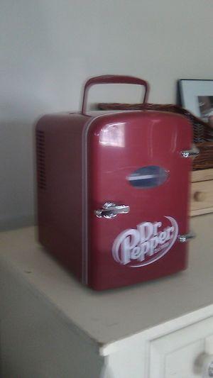 New 6 pack mini fridge. (Ice cold) for Sale in Framingham, MA