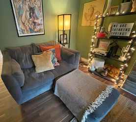 Living Room Loveseat with Chaise for Sale in Pittsburgh,  PA