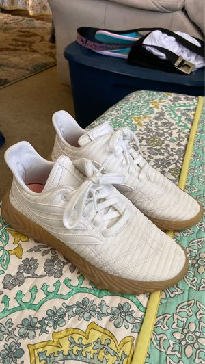 Adidas Sobakov runners 5.5 mens 7 womens $50 obo for Sale in Leavenworth, WA