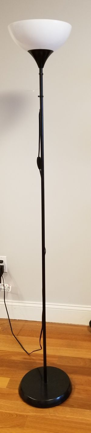 Floor lamp for Sale in The Bronx, NY