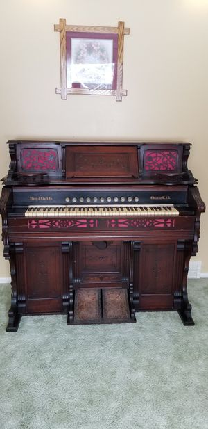 1800's story & clark Chicago ORGAN for Sale in Chardon, OH