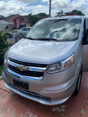 Chevy city express vs Nissan NV200 for Sale in Hialeah, FL