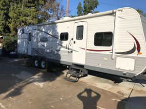 2014 jayco travel trailer 32ft for Sale in Cerritos, CA