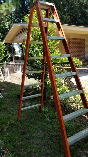 Orange Double Sided 8 ft Werner Ladder - Steps on Both Side - Great Condition, No Issues for Sale in West Columbia, SC