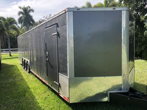 32 Foot trailer 2017 with insulated interior, triple 6000 axle, brakes for Sale in Fort Lauderdale, FL