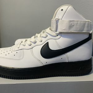 Nike Air Force 1 High The size is 8 for Sale in Detroit, MI