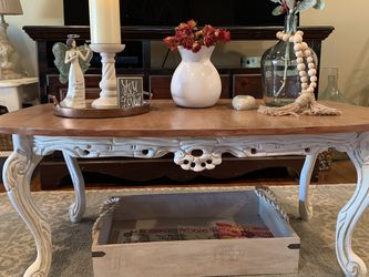 Beautiful Carved Hand Painted Coffee Table for Sale in Torrance,  CA