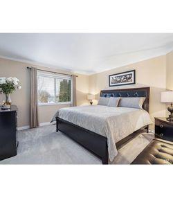 Bedroom set (King) for Sale in Lake Stevens,  WA