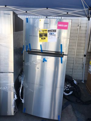 New Whirlpool Top & Bottom Fridge for Sale in Santa Ana, CA