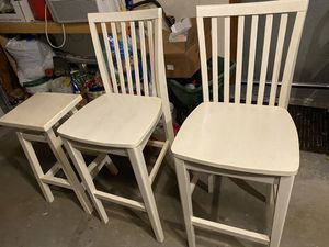 Counter height chairs and stool for Sale in Chelmsford, MA